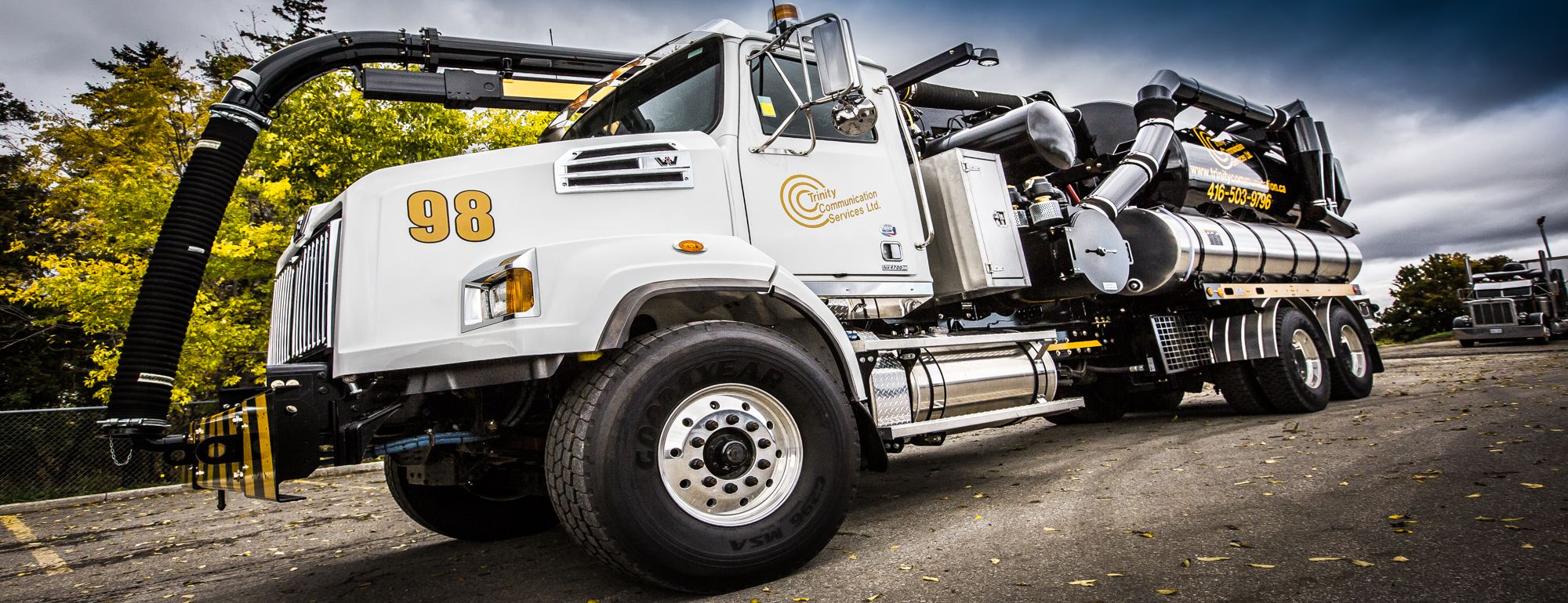 trinity communication services hydro vac excavation underground utility water blasting industrial cleaning wet dry vac day lighting